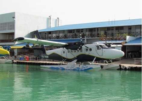 马累机场同时提供水上飞机服务