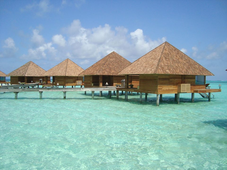 maldives_overwater_resort_Overwaters_2.jpg