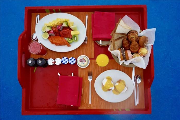 宁静岛漂浮早餐